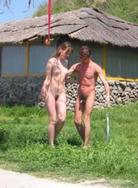 Hairy nude girls dancing was