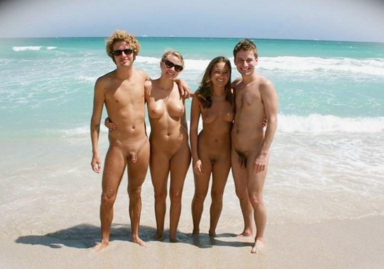 Couples posing nude
