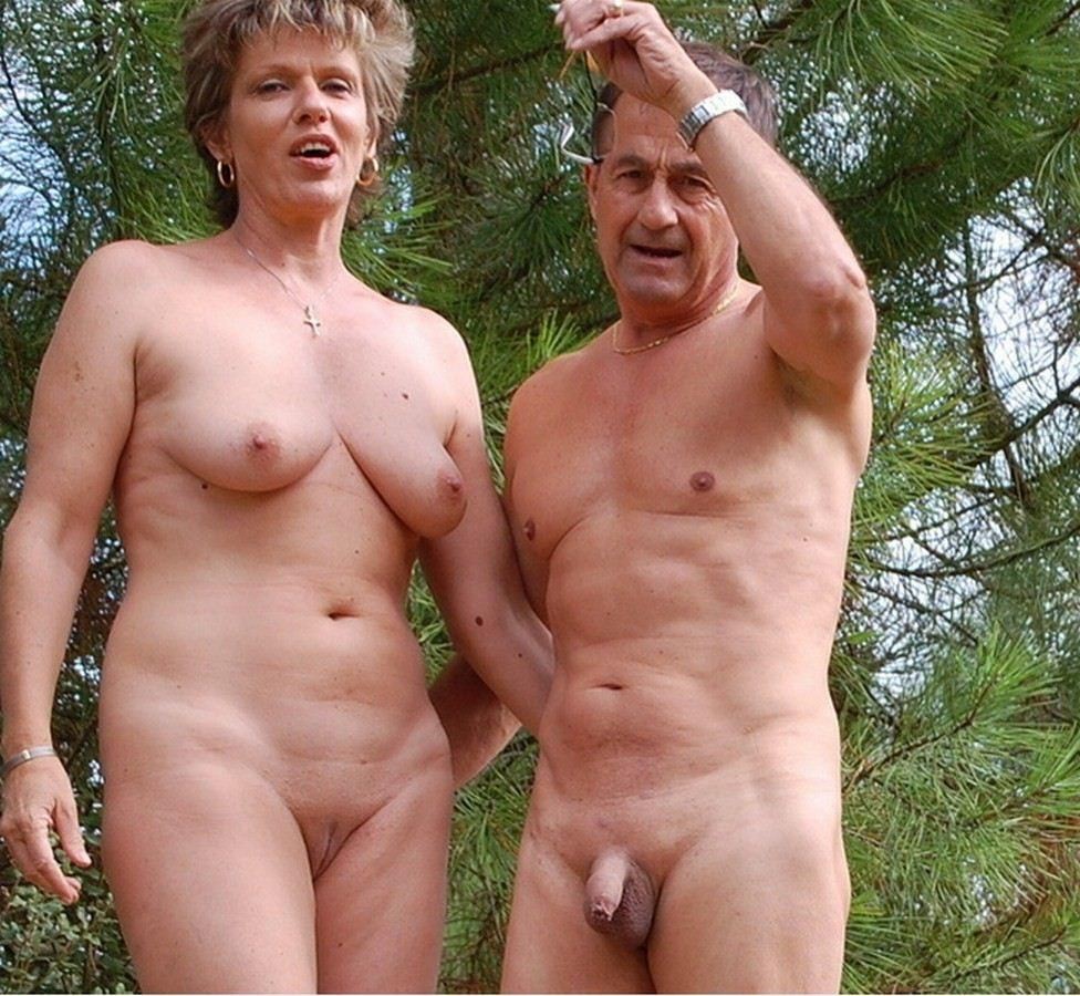 mom with big saggy tits and huge shaved pussy is wondering why dad