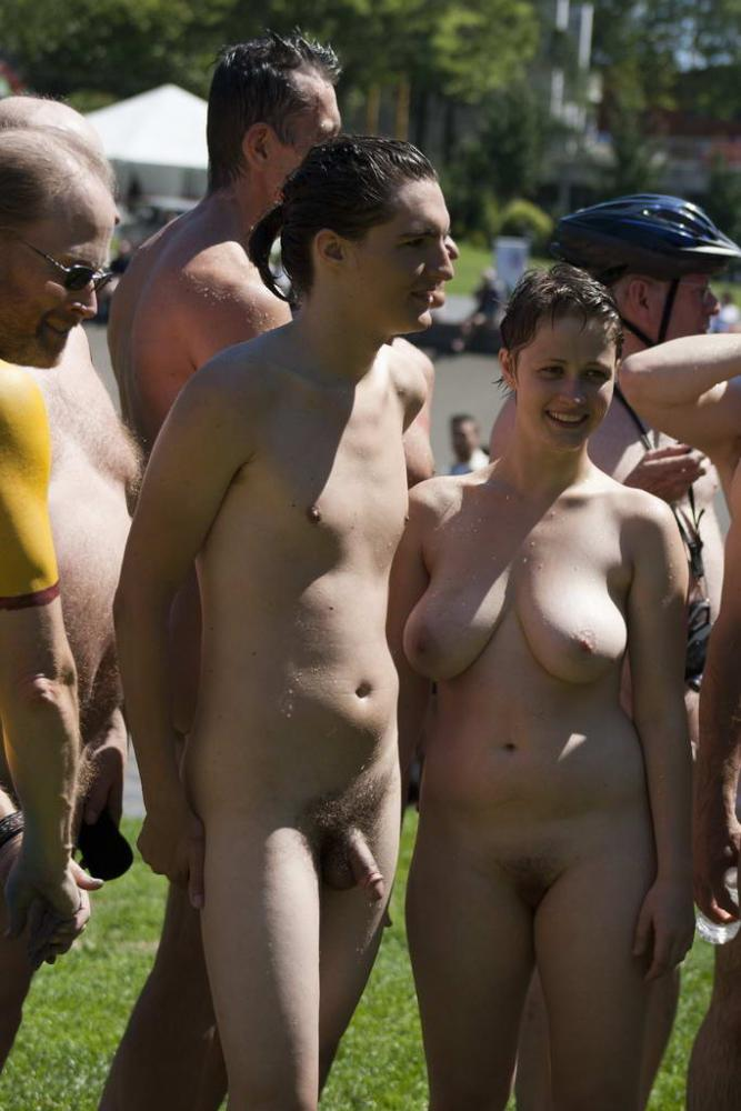 Girls walking around with tits park what the