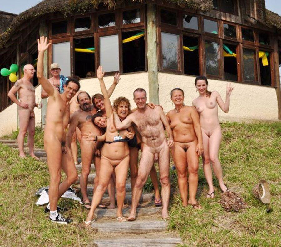 youngs grils group naked