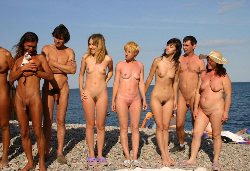 Fat Family Porn - Our naked family with trimmed cunts and shaved dicks