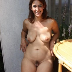 Beautiful saggy tits milf