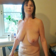 Milf with saggy tits nude small